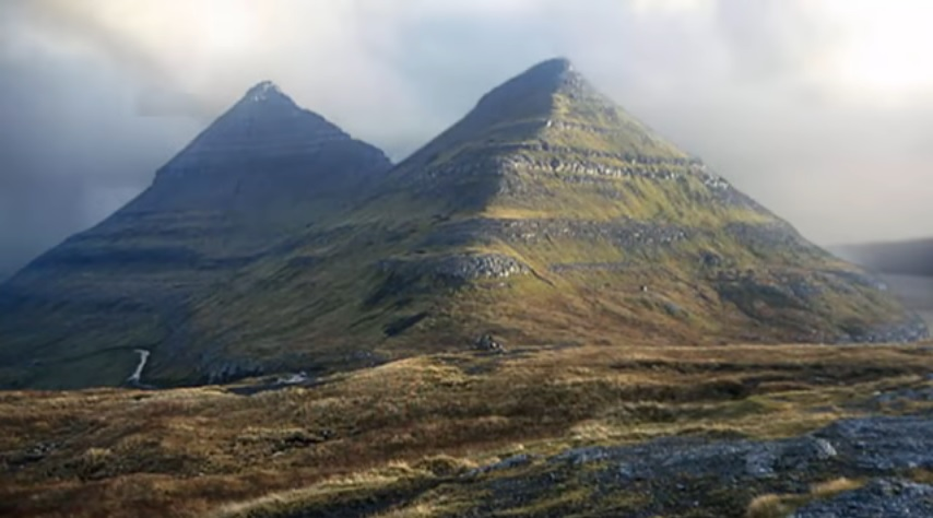 GunungPadangPyramid1.jpg